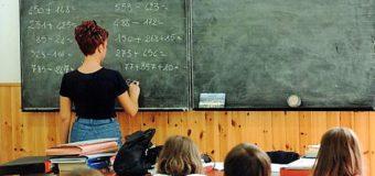 Retribuzione Professionale dei Docenti Precari nella Scuola : Ricorso